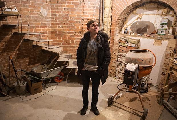 Житель Томска А.Лунев строит дом на основе водонапорной башни