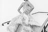 Диана Пенти — одна из немногих всемирно известных супермоделей индийского происхождения: на подиум на родине она начала выходить еще в 2005-м, а уже через пару лет стала появляться и на показах в европейских и американских столицах. С 2012 года Пенти — уже суперзвезда Болливуда: актерскими прорывами для нее стали роли в фильмах «Рок-звезда» и «Коктейль».