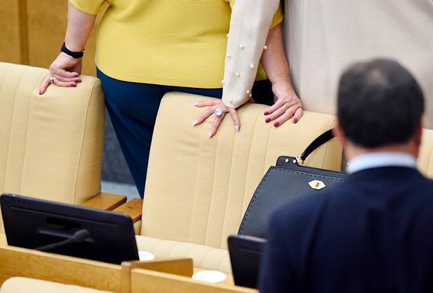 Что на самом деле россияне думают о правах женщин, равенстве и семейном насилии: Общество: Россия: Lenta.ru