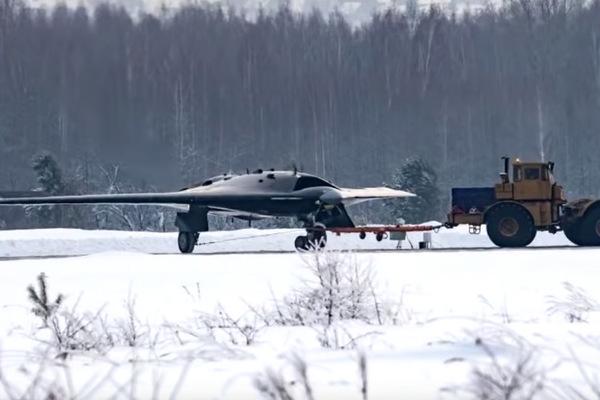 В США приравняли российский «Охотник» к американскому X-47B