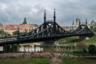 А это скромная копия то ли будапештского моста Свободы, то ли моста Китайско-корейской дружбы — пограничной переправы на реке Ялуцзян, соединяющей китайский город Даньдун с корейским Синыйджу.