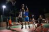 Сотрудники играют в баскетбол после напряженного рабочего дня. В Китае есть профессиональные баскетбольные мужская и женская лиги. Причем некоторые игроки мужской лиги выступали или по сей день выступают в Национальной баскетбольной ассоциации (НБА).