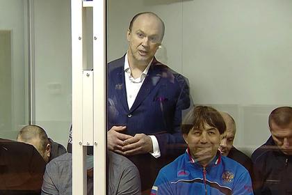 Константин Пискарев (в центре)