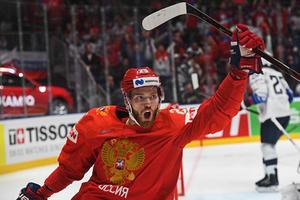 Игрок сборной России Михаил Григоренко