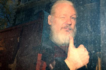 США предъявили Ассанжу 17 новых обвинений