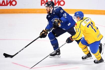 Игроки сборной Финляндии и Швеции
