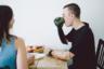 Все случилось в августе 2014 года. 23-летний Костя выступал с файер-шоу на свадьбе в Воронежской области, когда у него в руках взорвались некачественные пиротехнические фонтаны. Очнулся он уже в больнице, без рук.