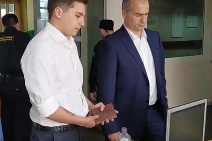 Олег Ладыков  (слева)