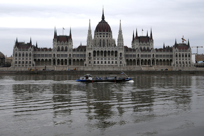 В Будапеште затонуло судно с 34 пассажирами