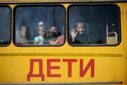 Путин разрешил россиянам с ВИЧ усыновлять детей