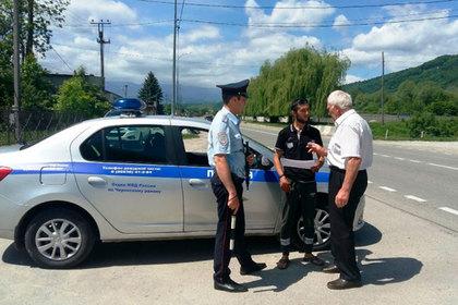 Полицейские и общественные активисты проводят антикоррупционное просвещение для жителей Кабардино-Балкарии