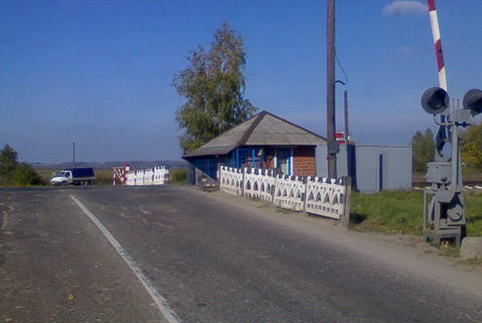 Железнодорожный переезд недалеко от деревни Богородское