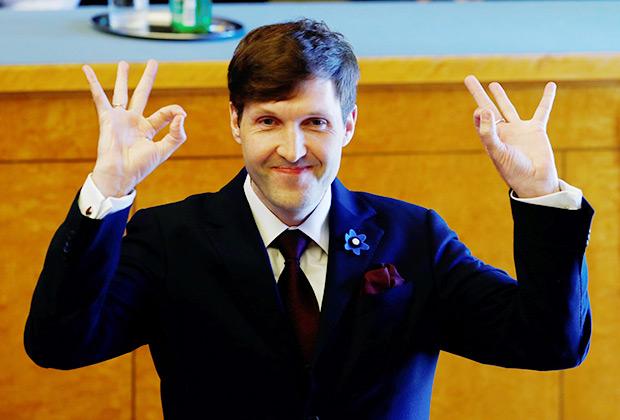 Министр финансов Эстонии Мартин Хельме во время присяги правительства коалиции в Таллине