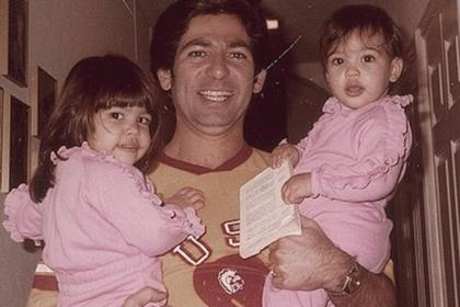 Детское фото Ким Кардашьян в пижаме поразило фанатов