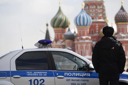 Красную площадь эвакуировали из-за сообщений о бомбе