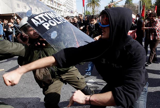 Уличные акции во время кризиса в Греции