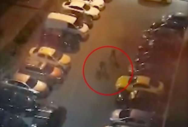 Момент убийства Никиты Белянкина с записи камеры наблюдения