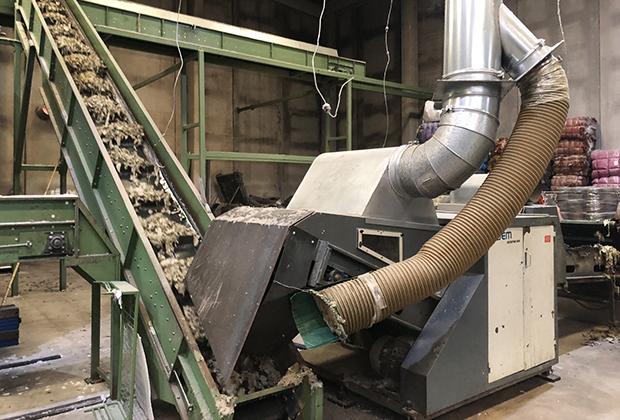 Машины, которые используются Hilatura Ferre при переработке, были выпущены в 1960-1970-е годы, но более современная техника для этого процесса и не нужна.