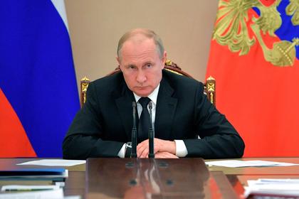Путин поручил решить проблему обманутых дольщиков