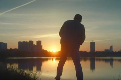 В новом клипе «Ленинграда» совместили техно, наркотики и Иисуса