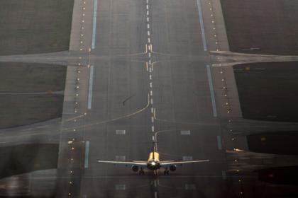 В московском аэропорту экстренно приземлился пассажирский самолет
