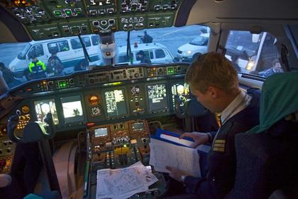 Десятки российских пилотов с недействительными дипломами остались без работы