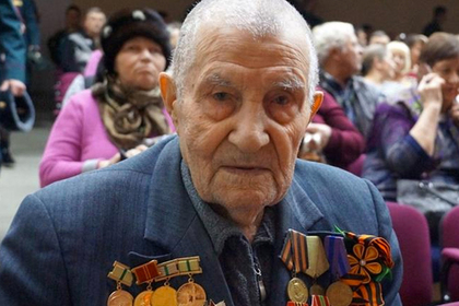 Ветеран Великой Отечественной 9 мая просидел дома из-за неудобного протеза