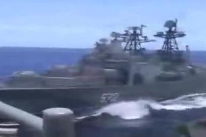 Появилось видео опасного сближения боевых кораблей России и США