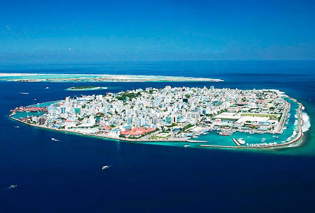 Город Мале может быть полностью покинут из-за увеличения уровня моря.
