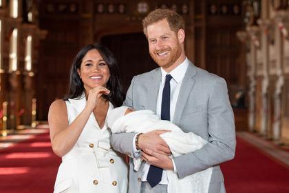Меган Маркл впервые вышла в свет после рождения сына
