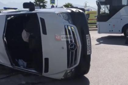 Перевернувшимся в Сочи автобусом с туристами владела полулегальная фирма