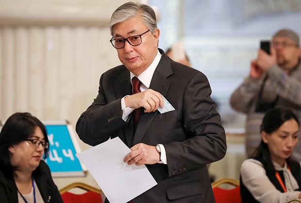 Касым-Жомарт Токаев на избирательном участке