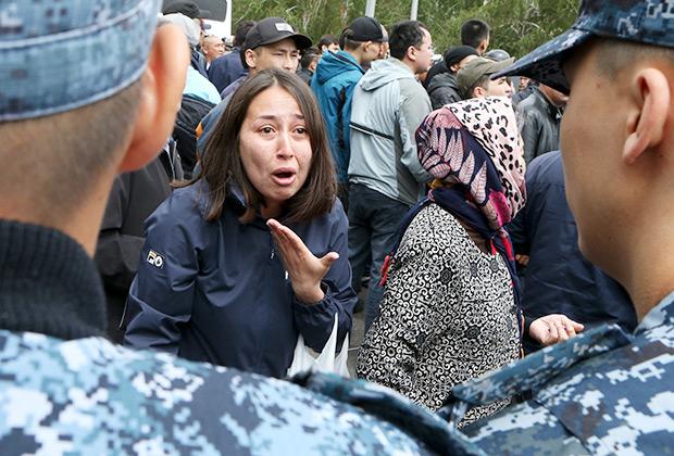 На несанкционированном митинге в Нур-Султане