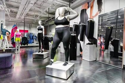 Тучный манекен в магазине спортивной одежды разозлил покупателей