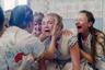 Пожалуй, главной сенсацией прошлого года в жанре хоррора стал дебют молодого американца Ари Астера «Реинкарнация» — и вот на экраны уже выходит новая работа режиссера, и вновь фильм ужасов. На этот раз в центре повествования — обманчиво безобидный ритуал празднования летнего солнцестояния в глухой шведской деревне: сам Астер уже успел назвать в одном из интервью эту картину «Волшебником страны Оз» для извращенцев, а посмотревший ее на днях режиссер Джордан Пил («Прочь» и «Мы») признался, что фильмом был глубоко потрясен и напуган. С 18 июля.