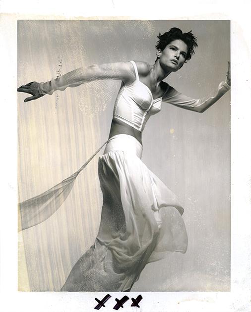 Свою первую профессиональную работу в качестве фотографа Барбьери получил в 1963-м — когда переехал в Париж и получил должность ассистента знаменитого фотографа Harper's Bazaar Тома Кублина. По трагическому стечению обстоятельств, тот скончался спустя 20 дней.