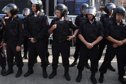 Применение полицейскими силы сочли признаком непрофессионализма
