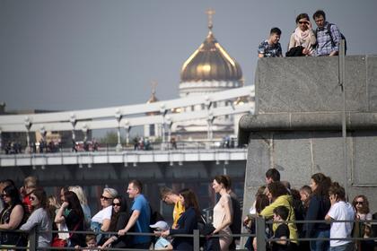 Россияне рассказали о желаниях на миллион долларов