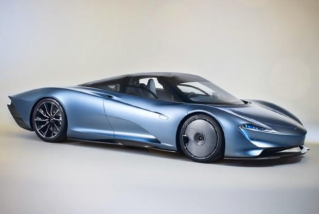 """Уникальный гиперкар McLaren Speedtail был официально представлен в октябре 2018 года и стал первенцем в рамках концепции Hyper-GT, которая включает в себя 18 новых спортивных автомобилей премиум-класса. При помощи гибридной силовой установки мощностью 1 035 лошадиных сил Speedtail <a href=""""https://www.drive.ru/news/5bd2d020ec05c4ee2800005a.html"""" target=""""_blank"""">разгоняется</a> до 300 километров в час всего за 12,8 секунды — на 2,7 секунды быстрее 903-сильного McLaren P1.  <br></br> Максимальная скорость, которую может развивать новый гиперкар, составляет 402 километра в час. McLaren соберет только 106 экземпляров, которые уже распроданы по цене около 2,24 миллиона долларов. Те, кому посчастливилось попасть в этот список, начнут получать первые автомобили в начале 2020 года."""