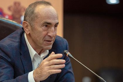Экс-президент Армении отказался защищать честь и достоинство от Пашиняна