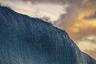 «Что происходит перед тем, как волна обрушивается вниз? Этот вопрос беспокоил меня весь прошлый год. Пока в один прекрасный день я не пошел фотографировать закат с восточной стороны острова Оаху», — рассказывает Дэнни Сепковски. В тот день сфотографировать рассвет пришло около 100 фотографов, а вот на закате на пляже был только Сепковски. В итоге сильный ветер и закатный свет создали нужное драматическое настроение.