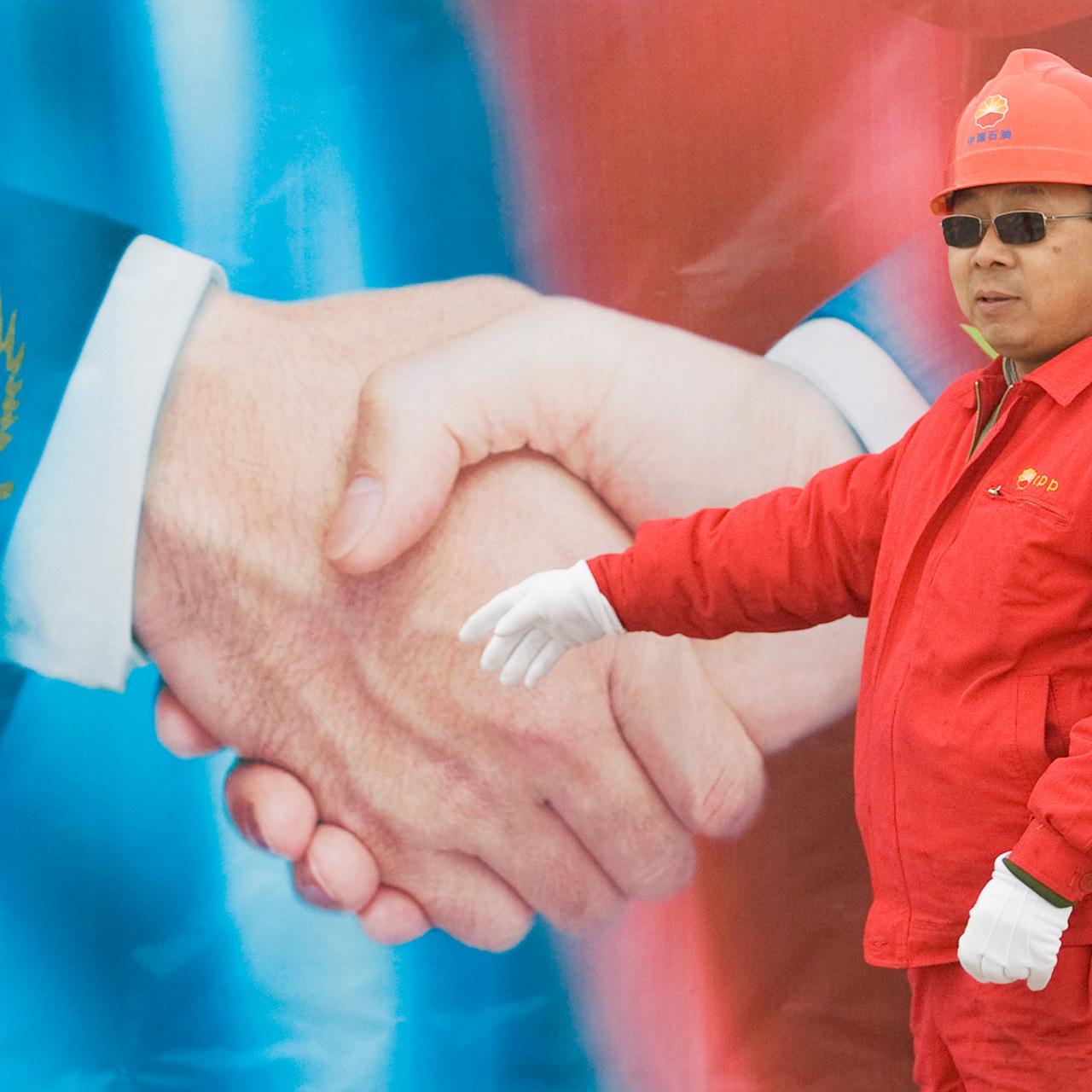 токаев закрывает кредиты время работы ренессанс кредит банка в москве