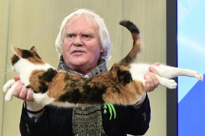 Куклачев пообещал подарить Алибасову кота