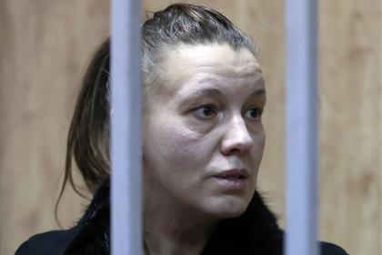 Мать российской девочки-маугли ограничили в родительских правах