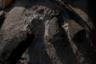 Костер в лагере Сумера горит круглые сутки. Его топят коровьим навозом или древесиной с кремационных костров и постоянно поддерживают, переворачивая угольки. Ночью огонь тлеет, а утром разгорается вновь. Сильнее всего пламя поднимается во время религиозных церемоний, которые каждый вечер проводят на главном гхате (месте для ритуального омовения) Варанаси.
