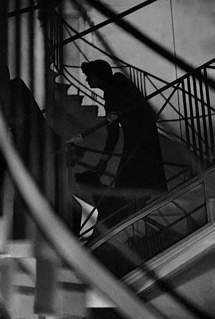 Несмотря на то что Франк Орват считается революционером фэшн-фотографии, сам он долгое время своей работы для модной индустрии стыдился, считая, что в лучшем случае служит интересам дизайнеров, а самостоятельно высказываться ему удается только в фотожурналистике: «Я считал фэшн-фотографию проституцией». Только по прошествии десятилетий он, по его словам, начал ценить некоторые из своих работ в этом жанре.