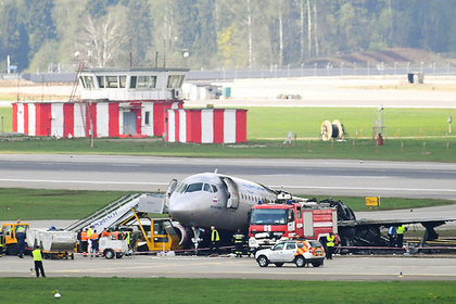 В МАК сообщили об отключении автопилота сгоревшего SSJ-100 после ударов молнии