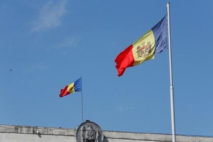 Молдавские оппозиционеры массово ринулись из страны