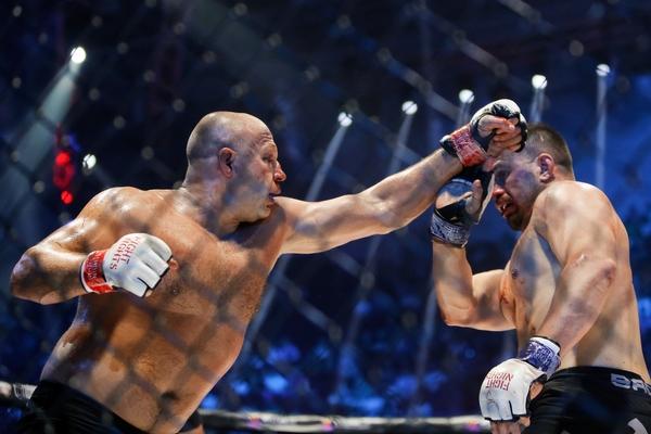 Раскрыты детали нового контракта Емельяненко с Bellator