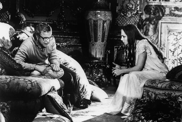 Начиная с конца 1970-х Дзеффирелли стал больше внимания уделять своей первой любви в искусстве — опере. Он успел не только поставить, кажется, почти всю оперную классику на сцене, но и неутомимо переносил ее на теле- и киноэкран, поработав в процессе с такими легендами, как Пласидо Доминго, Монсеррат Кабалье и Мария Каллас.
